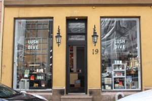 LUSH DIVE